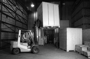 Forklift_IS-000003379516_BW_MD